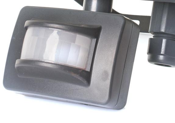 Mini Bewegungsmelder an einer Lampe